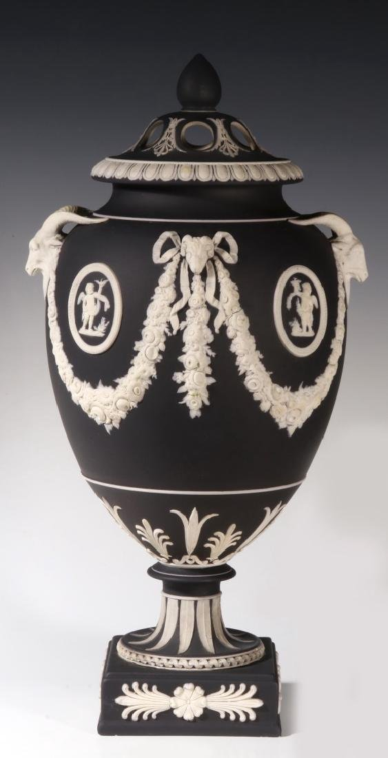 AN EARLY 19TH CENTURY 15-INCH WEDGWOOD BOLTED VASE