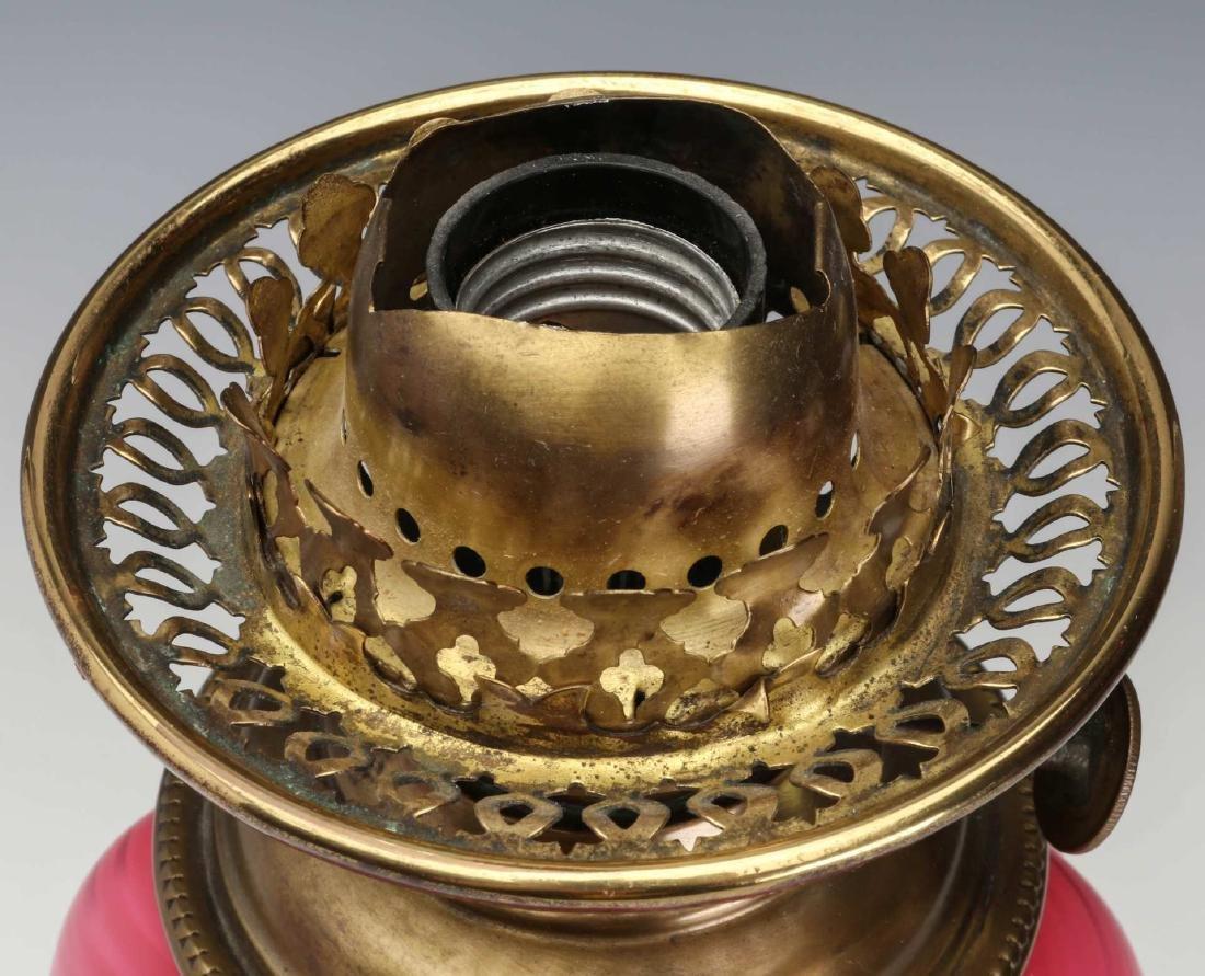A FINE 19TH C. CRANBERRY SATIN AIR TRAP SWIRL LAMP - 10