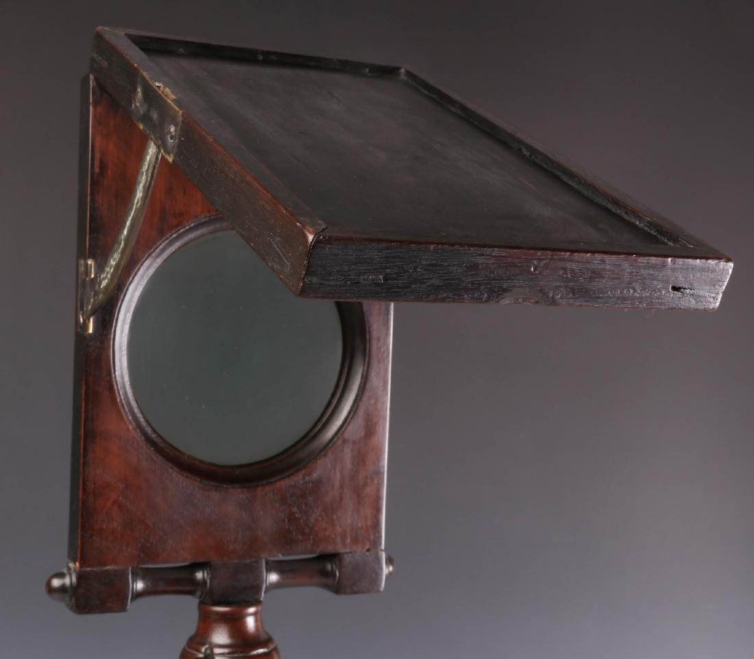 A 19TH CENTURY MAHOGANY ZOGRASCOPE PICTURE VIEWER - 4