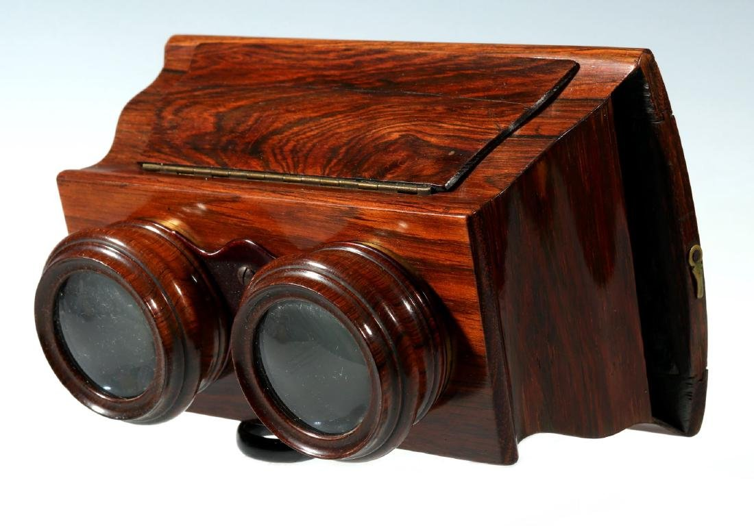 A FINE 19TH CENTURY BREWSTER STYLE STEREOSCOPE