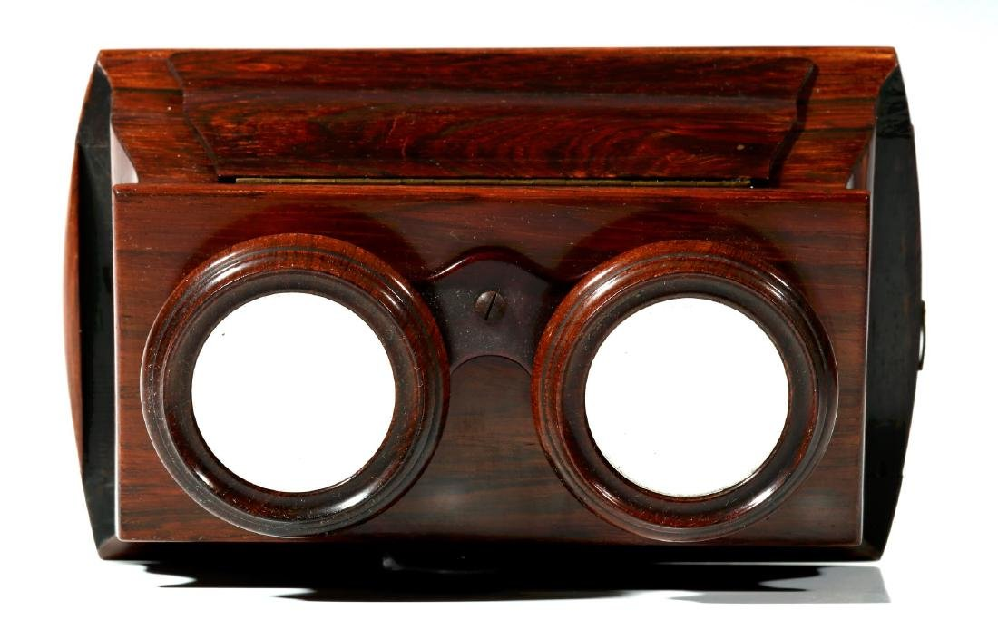 A FINE 19TH CENTURY BREWSTER STYLE STEREOSCOPE - 2