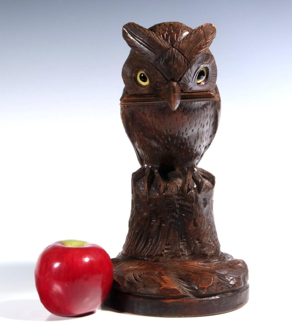 A BLACK FOREST CARVED WOOD OWL FORM WATCH HANGER - 2