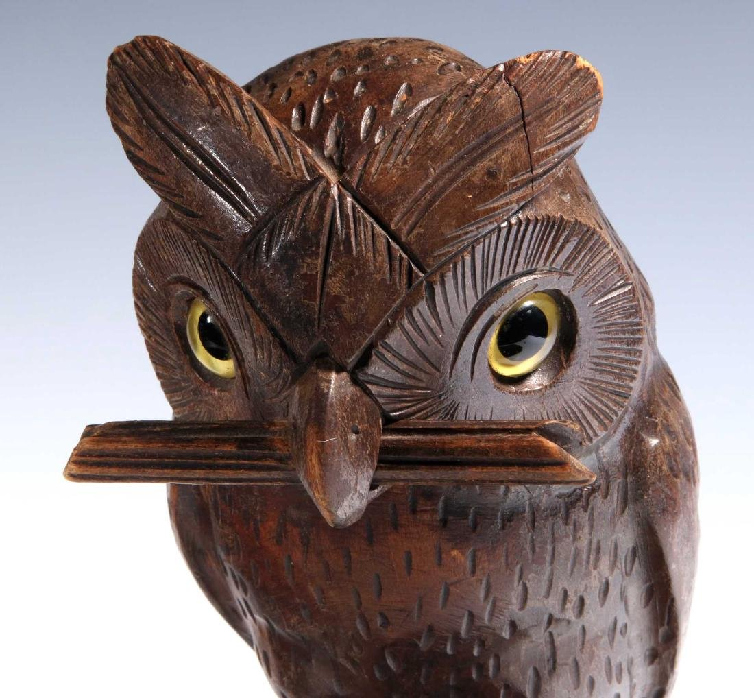 A BLACK FOREST CARVED WOOD OWL FORM WATCH HANGER - 3