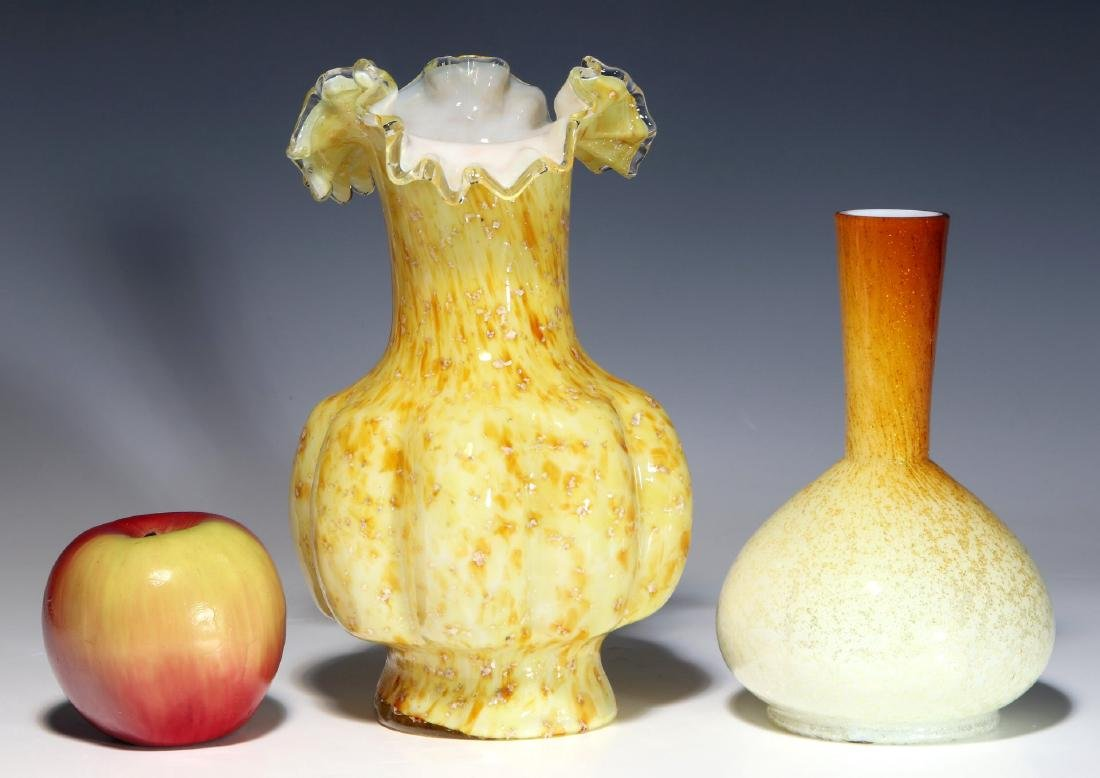A NICE EXAMPLE OF 19TH C. ART GLASS WITH MICA FLECK - 2