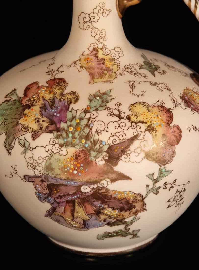 AN EARLY 2OTH CENTURY ROYAL CROWN DERBY EWER - 3