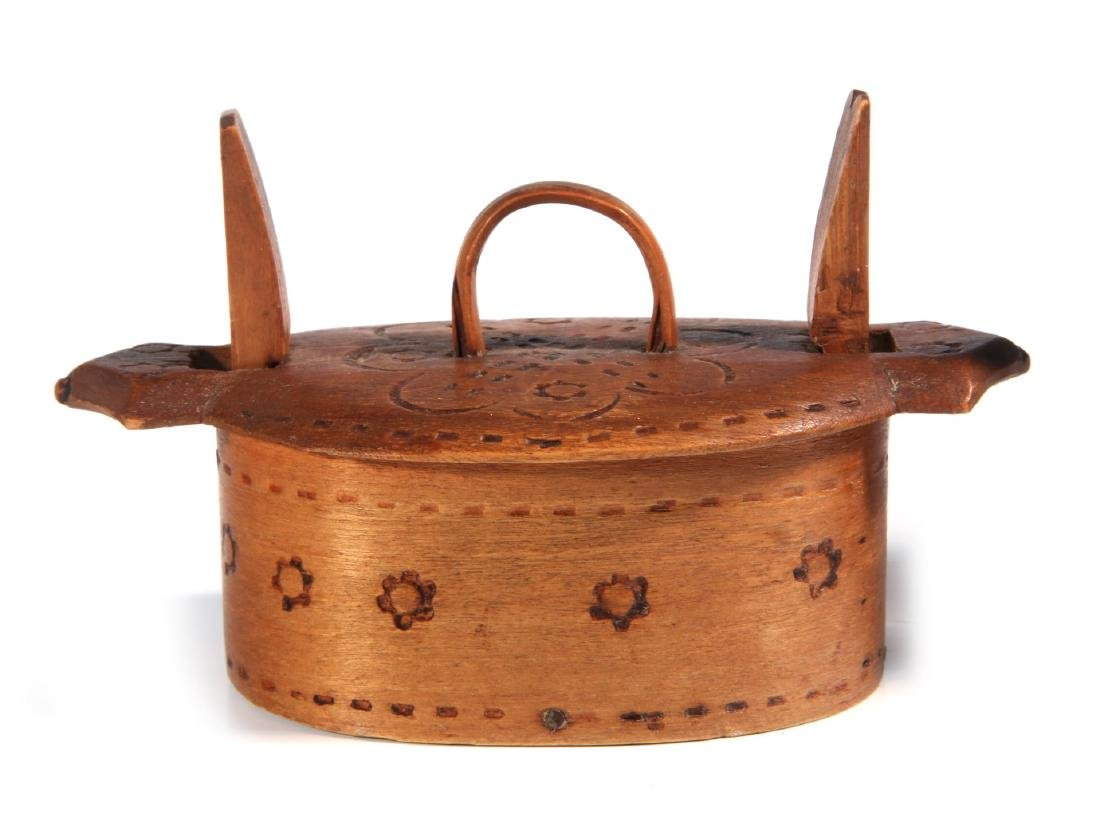 TWO NORWEGIAN CARVED AND BENT WOOD TINE BOXES - 3