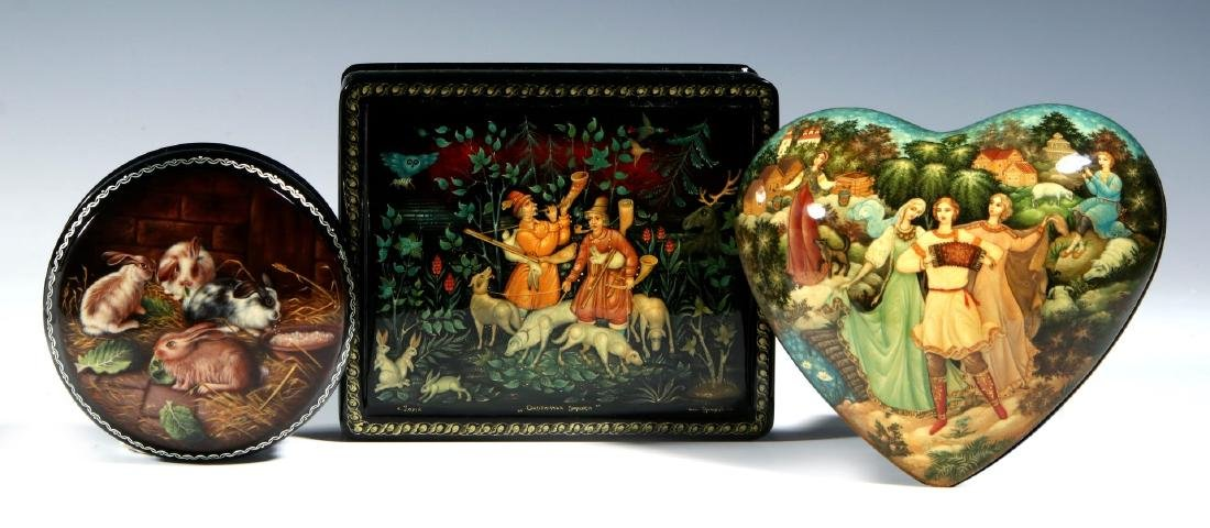 THREE 20TH CENTURY RUSSIAN LACQUER BOXES