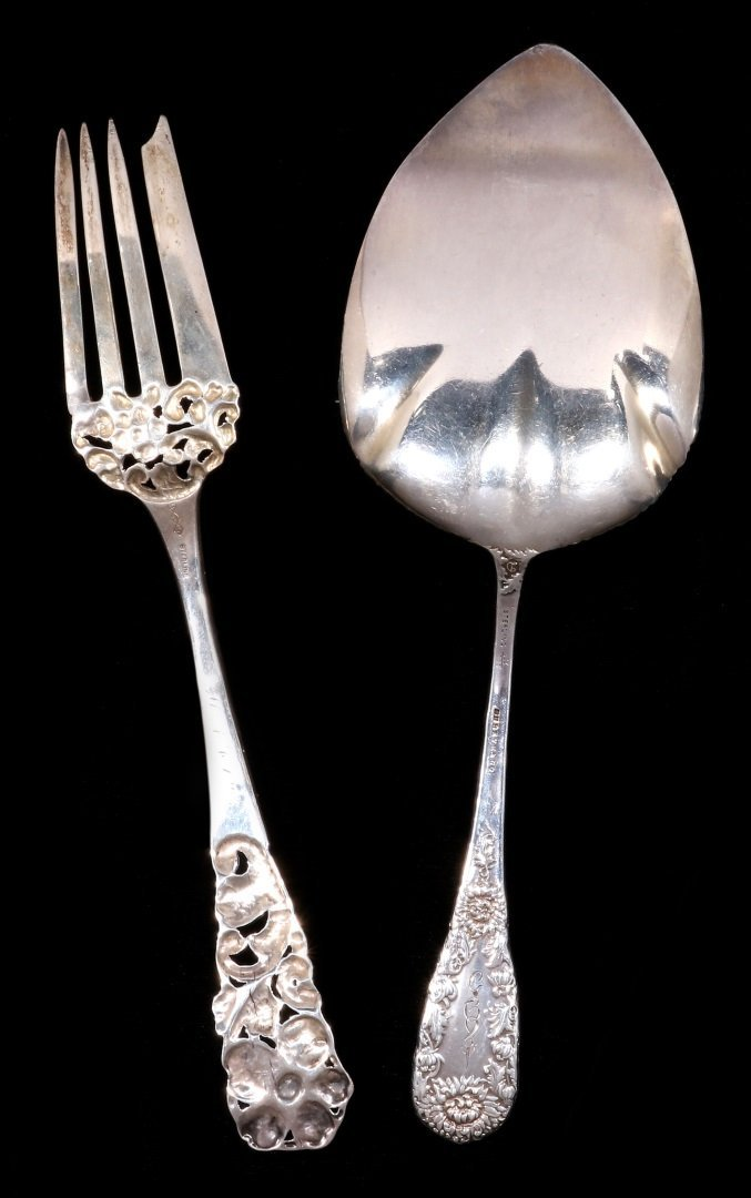 A DURGIN CHRYSANTHEMUM PIE SERVER, PLUS ANOTHER - 4