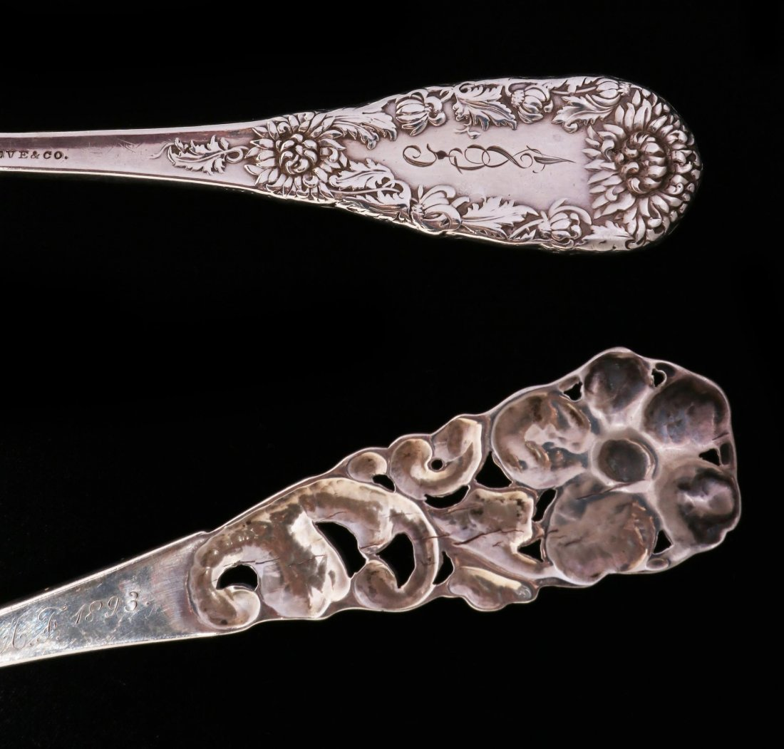 A DURGIN CHRYSANTHEMUM PIE SERVER, PLUS ANOTHER - 8