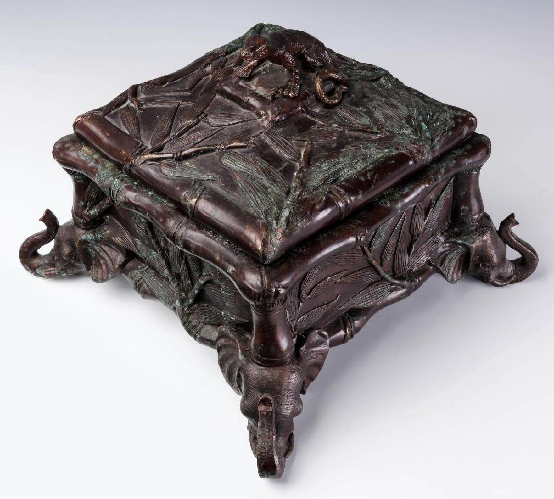 A MAITLAND SMITH BRONZE COVERED BOX