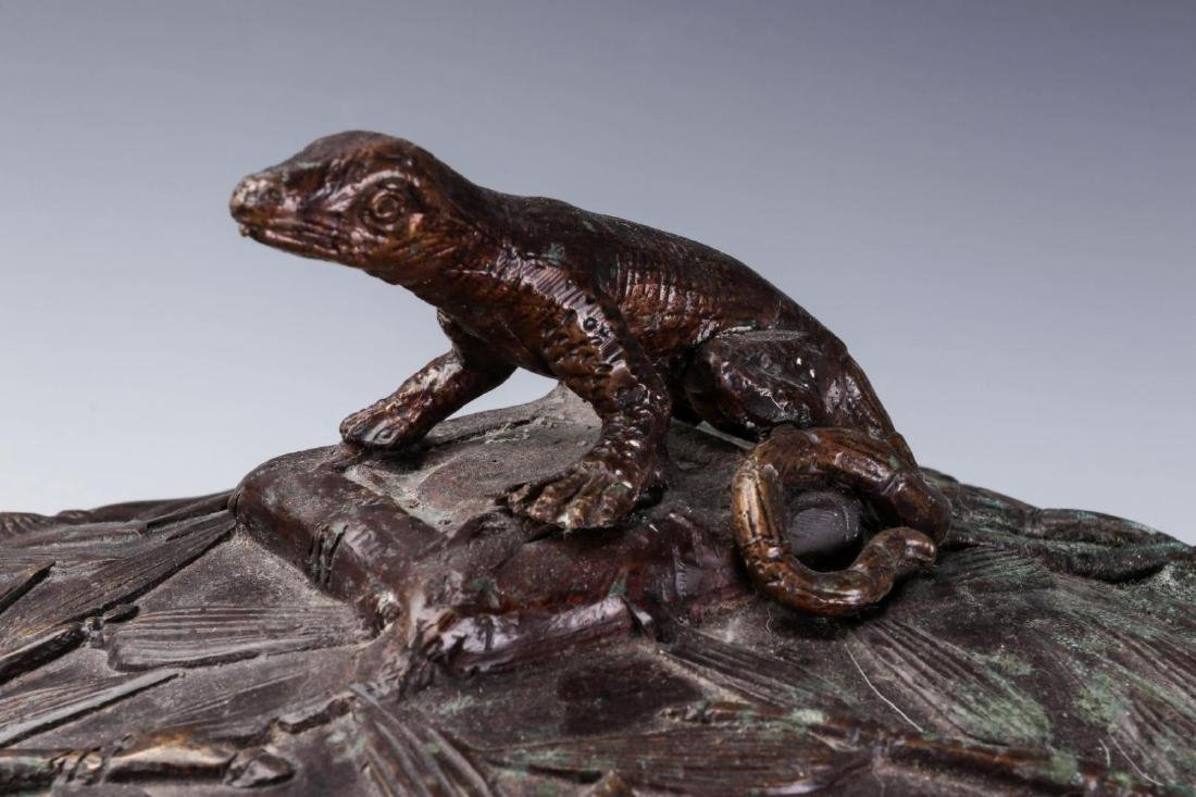 A MAITLAND SMITH BRONZE COVERED BOX - 2