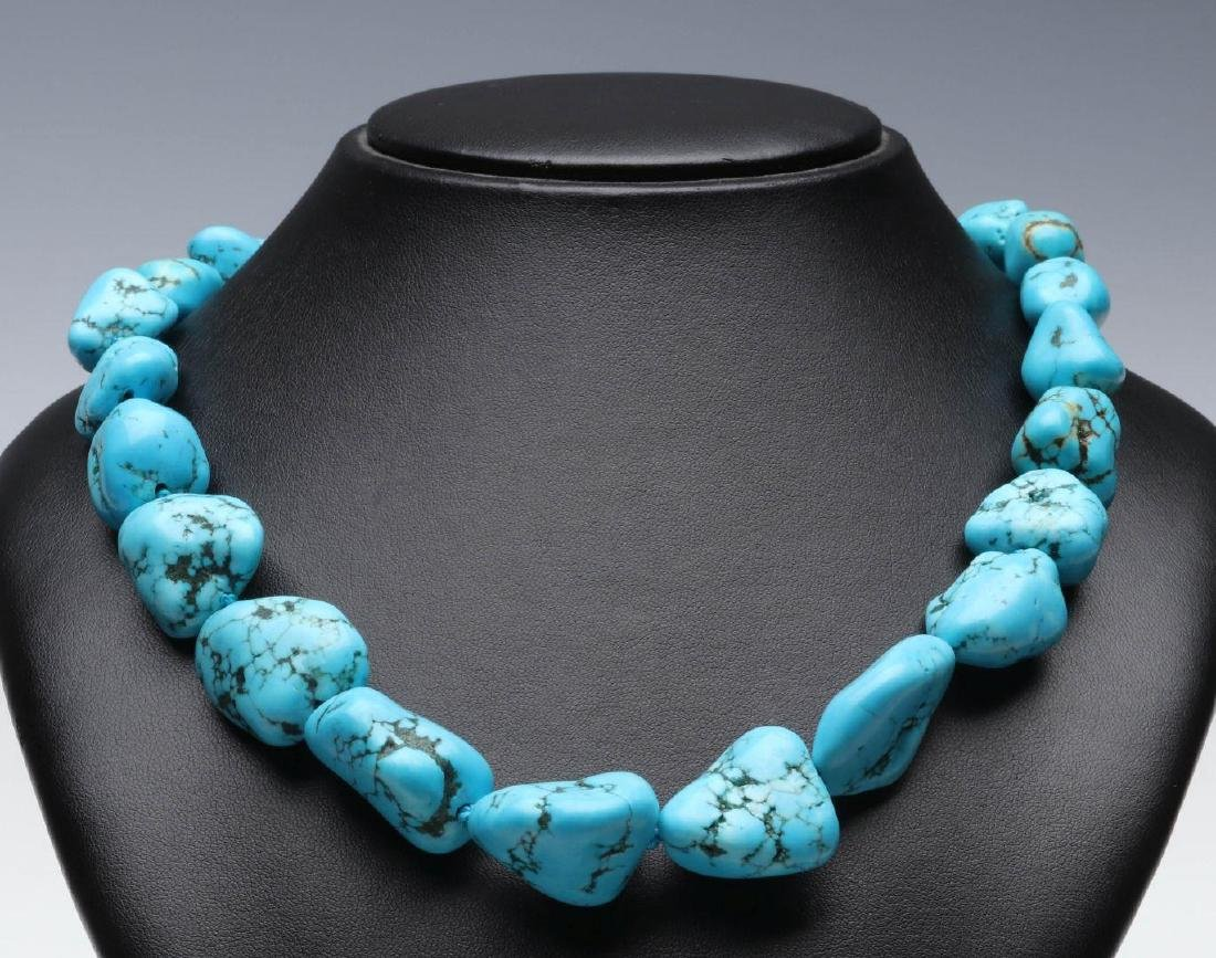 A KENNETH LANE TURQUOISE NUGGET NECKLACE