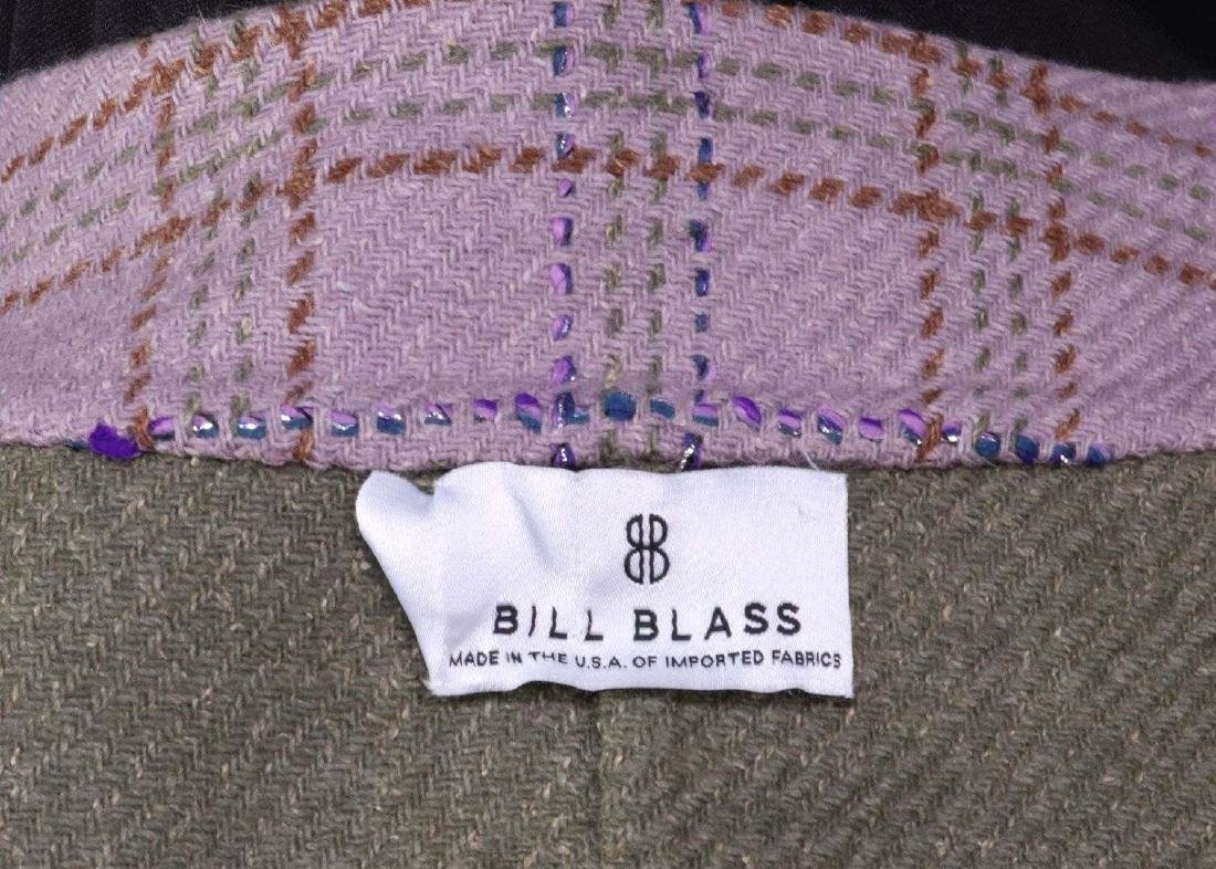 A BILL BLASS DESIGNER WOMEN'S SUIT, SIZE 16 - 8