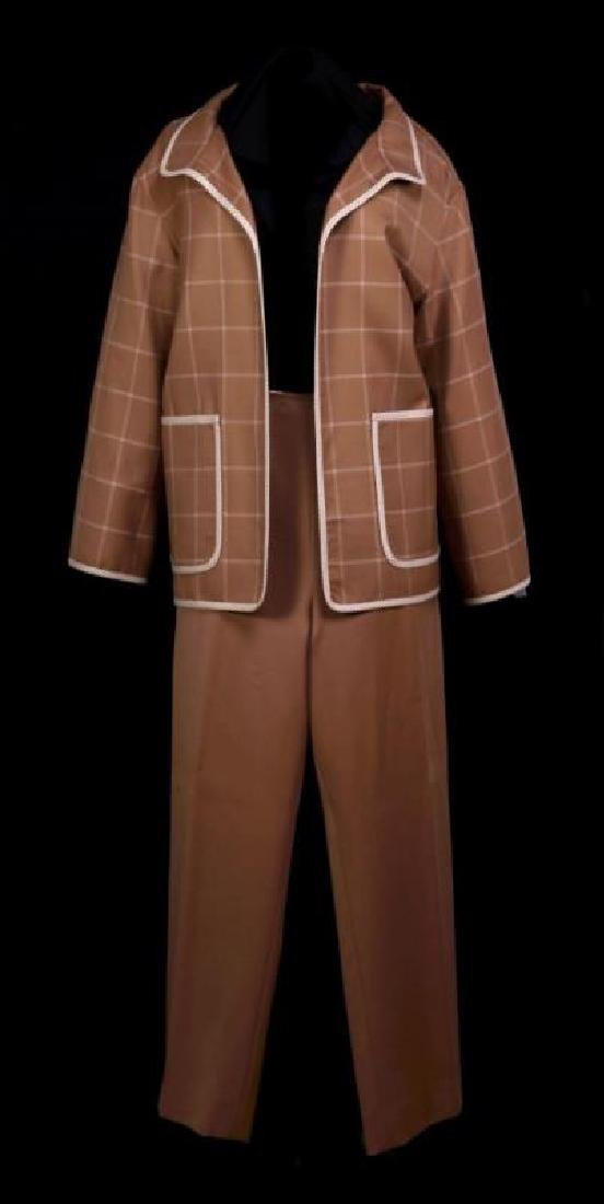 AN OSCAR DE LA RENTA JACKET AND PANTS, 12-14
