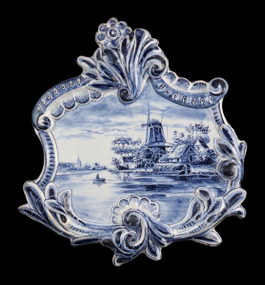 AN 18TH CENTURY DELFT TIN GLAZE PLAQUE