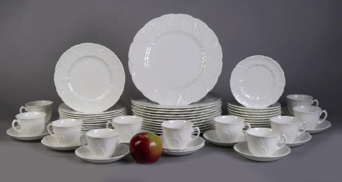 'COUNTRYWARE' FINE BONE CHINA SERVICE - 2