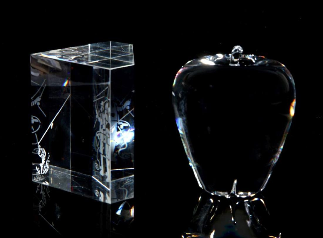 A PAIR OF STEUBEN PAPERWEIGHTS - 7