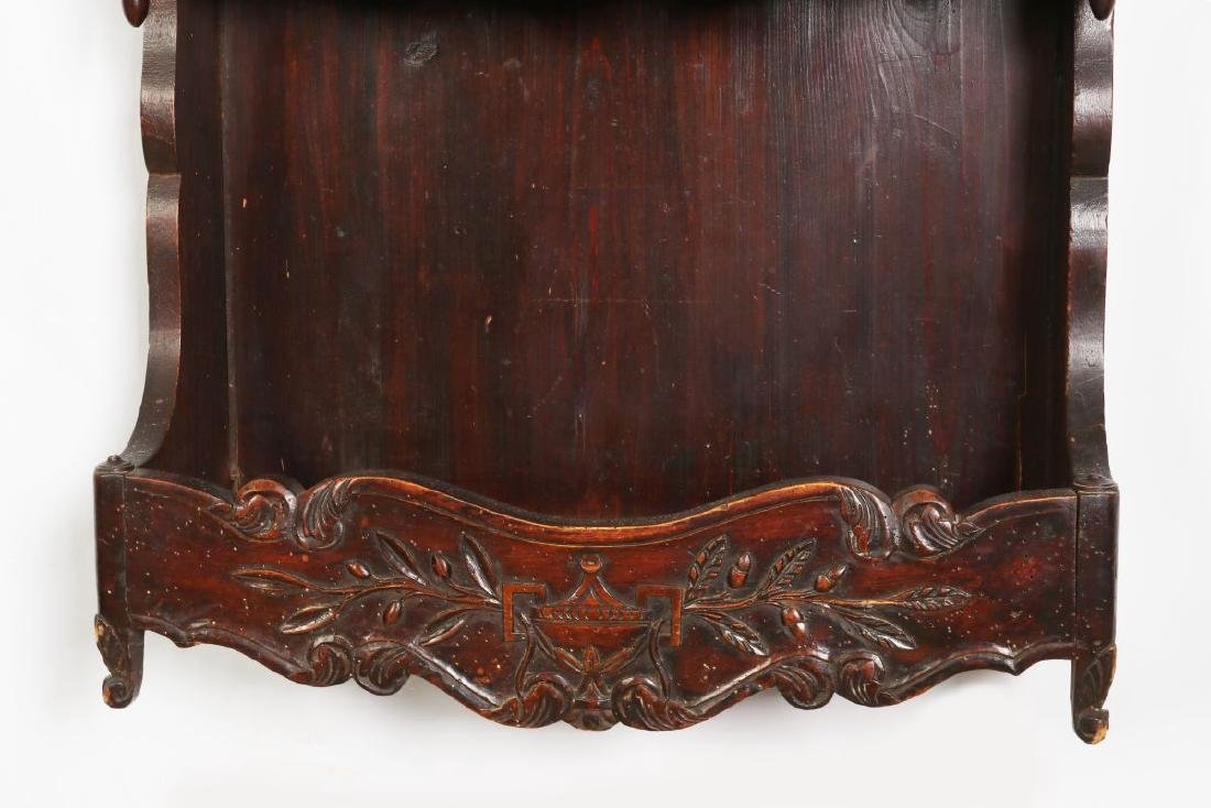 A 19TH CENTURY FRENCH CARVED ESTAGNIER PLATE RACK - 3