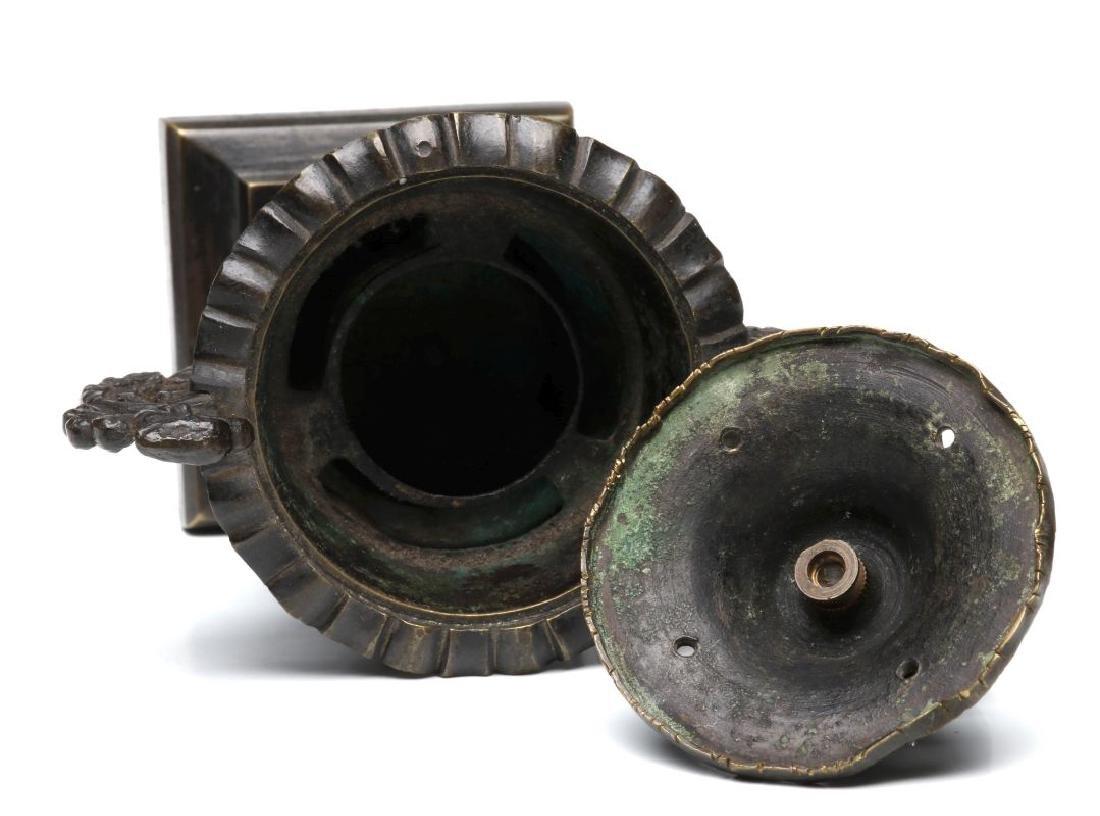 A SMALL 19TH CENTURY CAST BRONZE ORNAMENTAL URN - 8