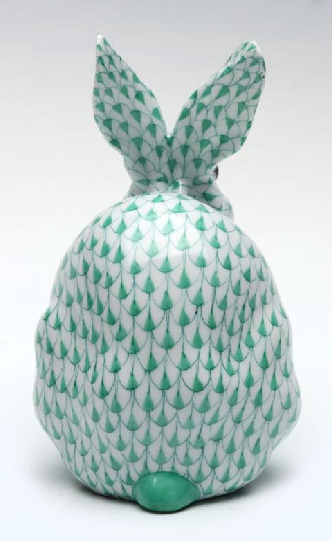 A HEREND PORCELAIN GREEN FISHNET RABBIT FIGURE - 6