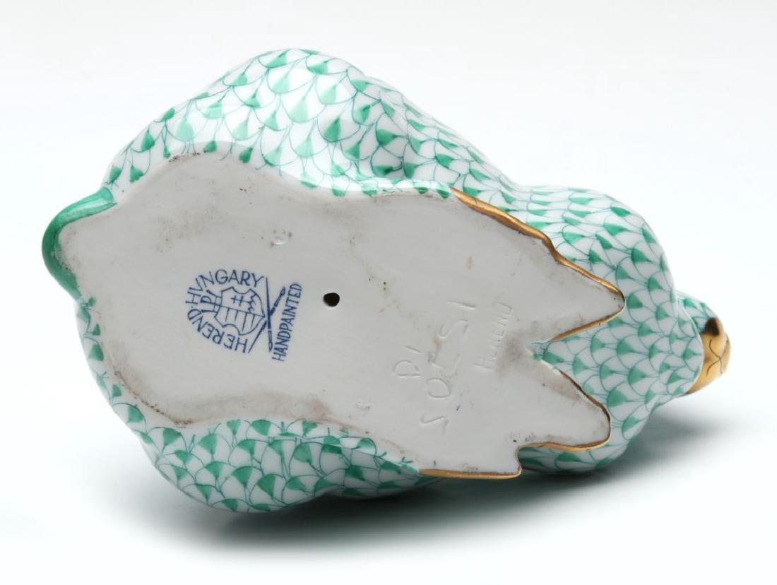A HEREND PORCELAIN GREEN FISHNET RABBIT FIGURE - 7
