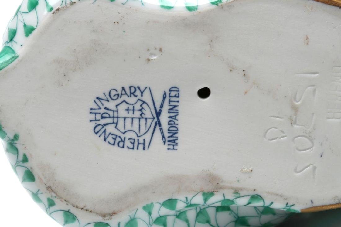 A HEREND PORCELAIN GREEN FISHNET RABBIT FIGURE - 8
