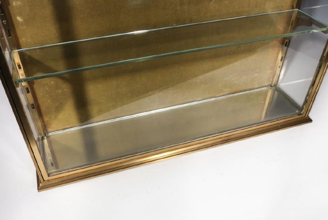 A HEAVY 20TH CENTURY SOLID BRASS DISPLAY CABINET - 7