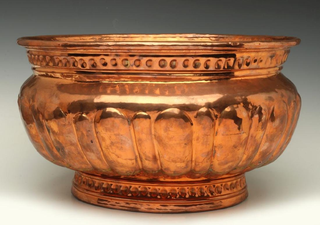 A NICE LARGE 19TH C HAND HAMMERED COPPER JARDINIERE - 6