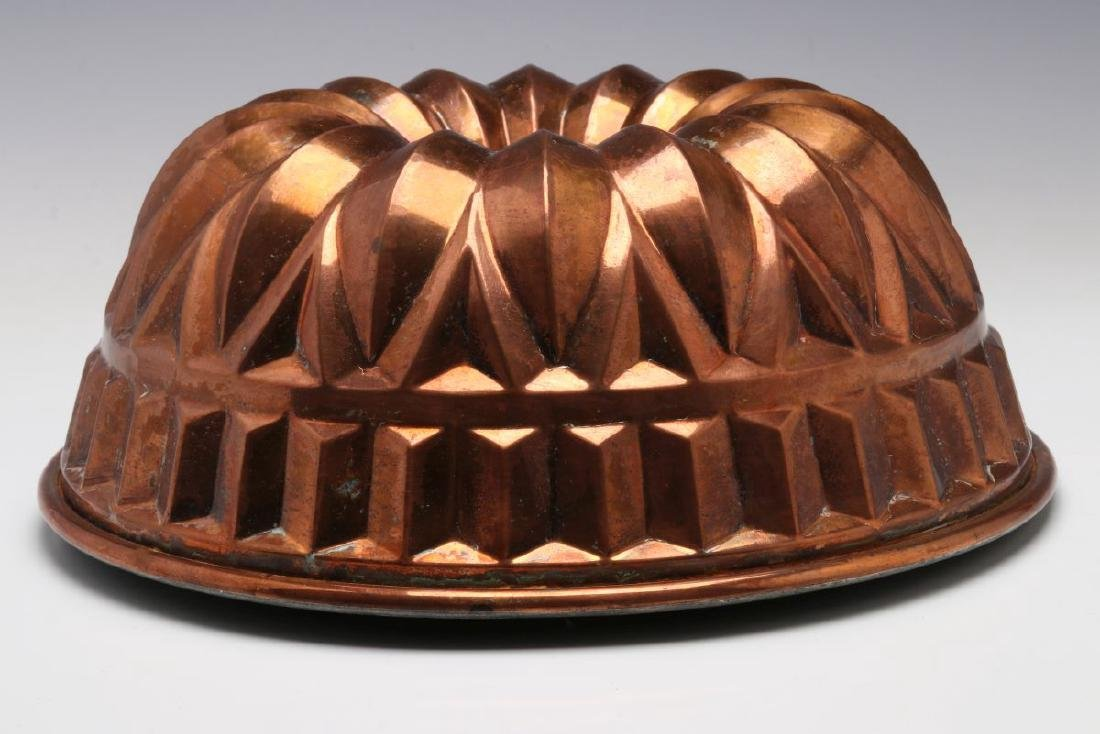 AN ANTIQUE COPPER FOOD MOLD - 3