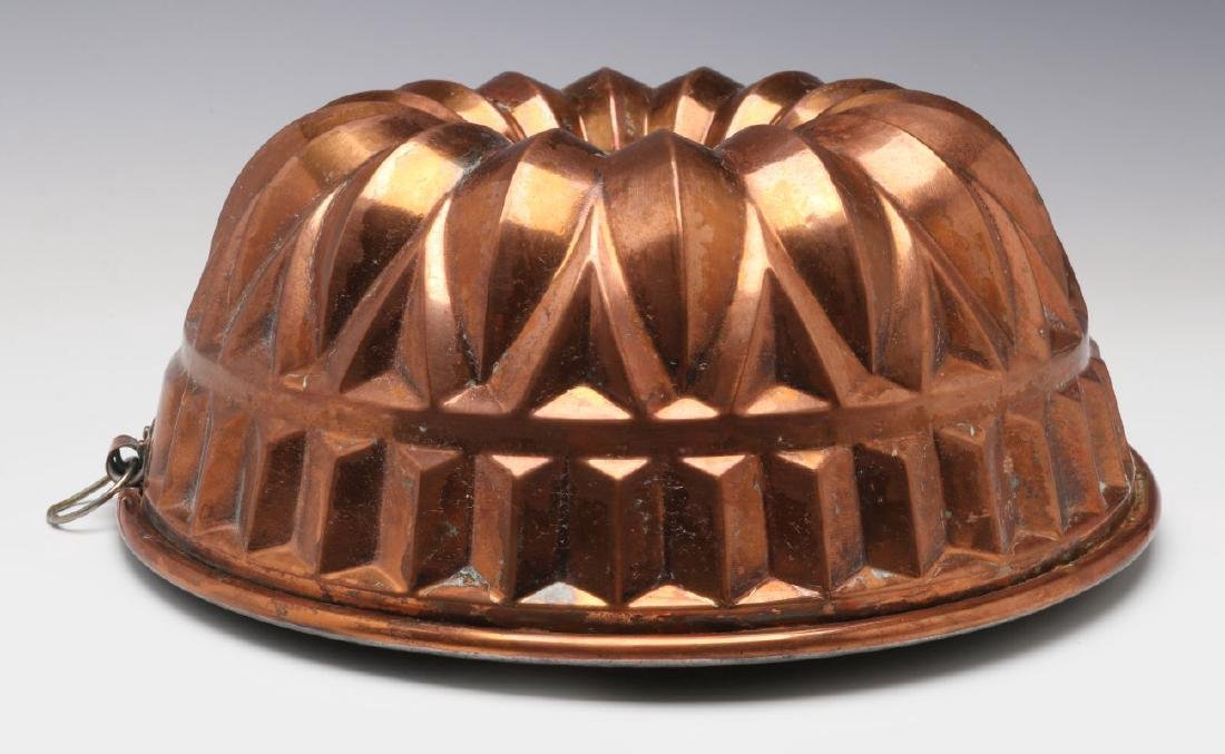 AN ANTIQUE COPPER FOOD MOLD - 5