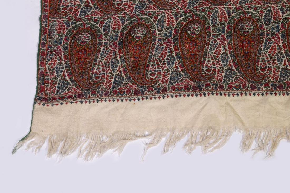 A VERY GOOD LARGE WHITE GROUND HAND MADE PAISLEY - 5