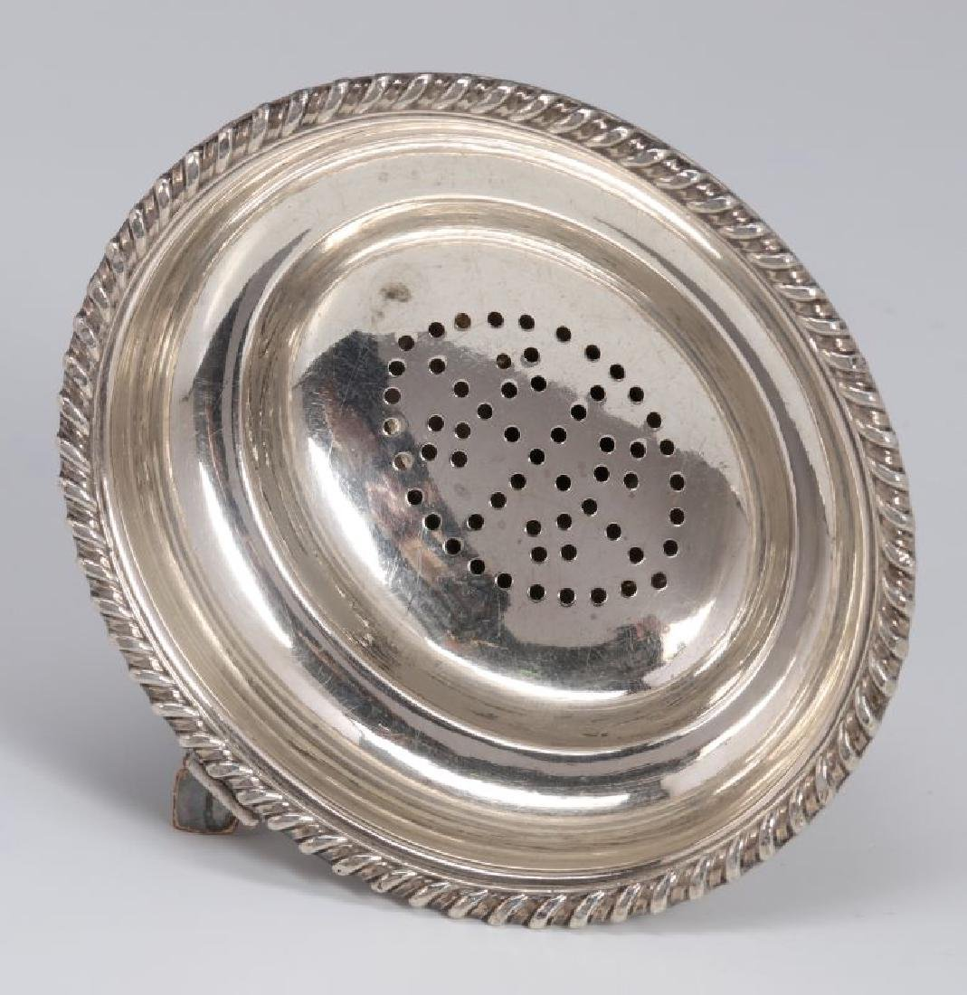 A GEORGE III SHEFFIELD PLATE WINE FUNNEL C. 1800 - 4