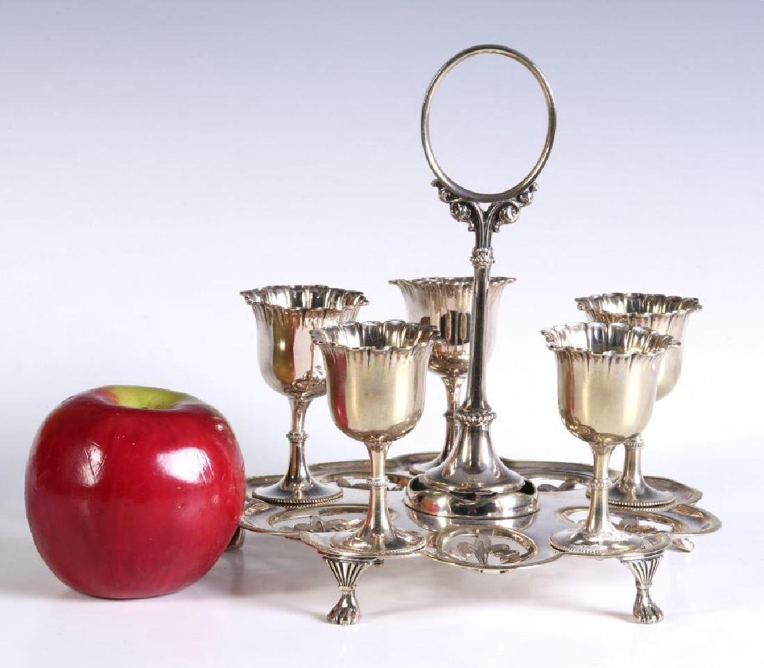 AN EARLY 20TH CENTURY SILVER PLATED EGG CRUET - 2