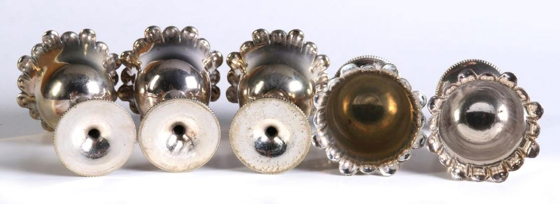 AN EARLY 20TH CENTURY SILVER PLATED EGG CRUET - 8