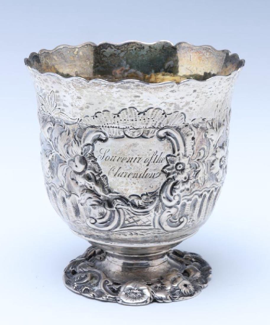 A BRITANNIA SILVER VASE OR CUP ON FOOT DATED 1722 - 6