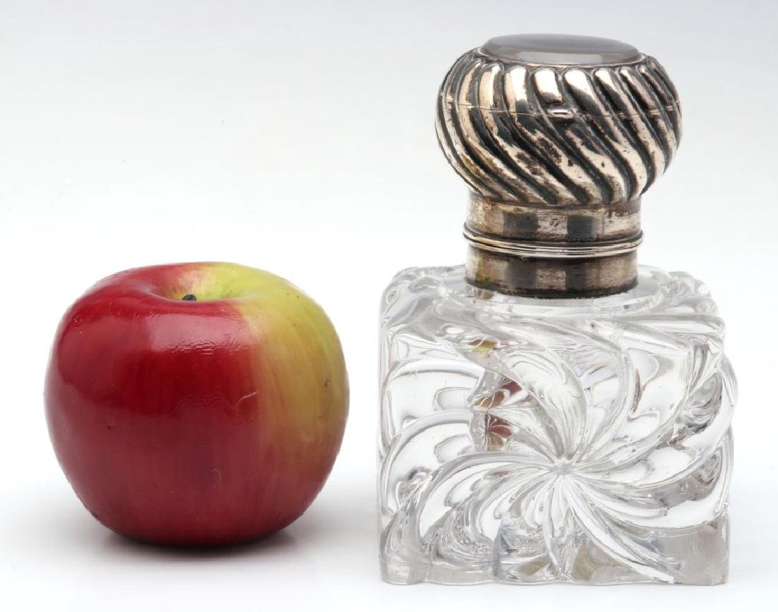 A BACCARAT CRYSTAL INKWELL WITH SECOND RECEPTACLE - 2