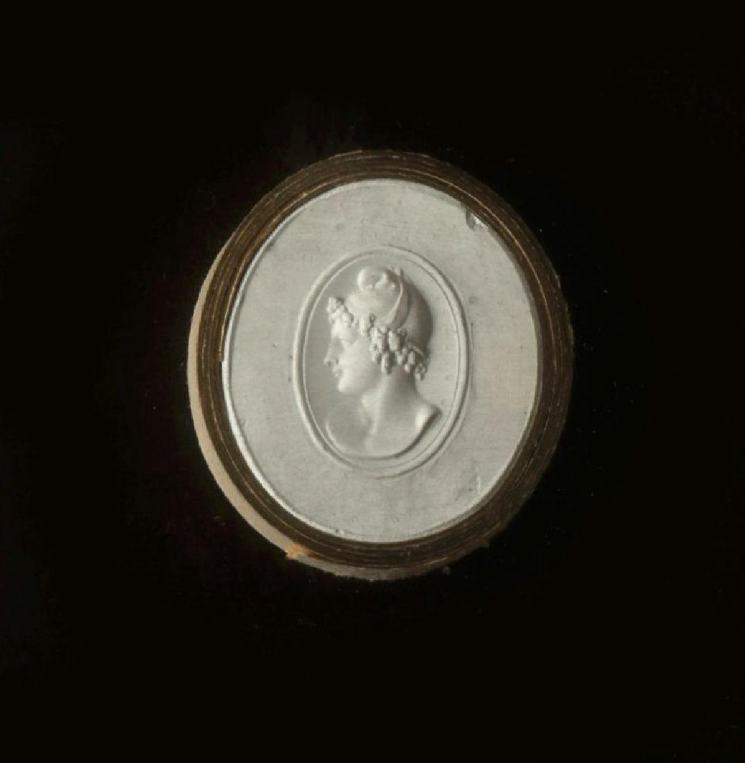 A COLLECTION OF ANTIQUE PLASTER INTAGLIOS - 7