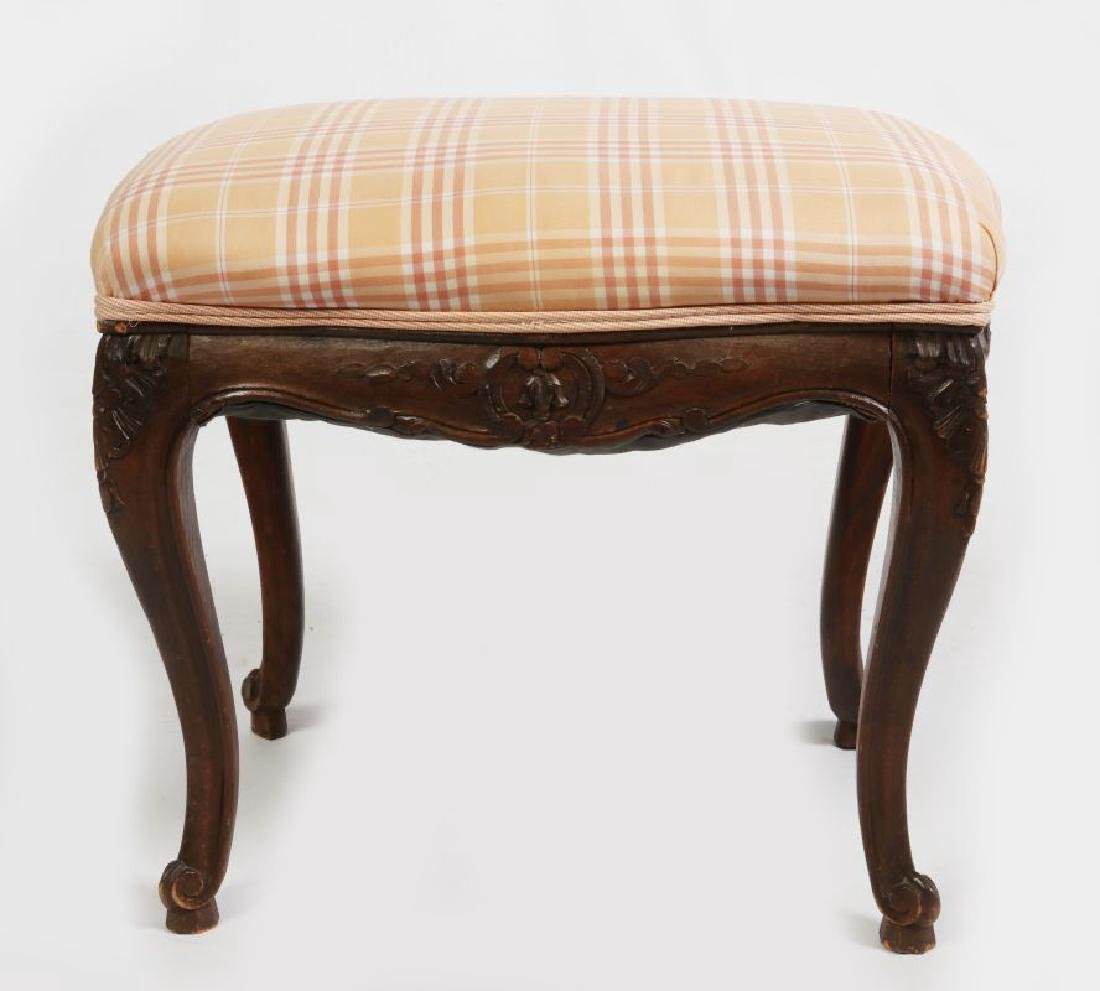 AN EARLY 20TH C LOUIS XV STYLE COUNTRY FRENCH STOOL - 3
