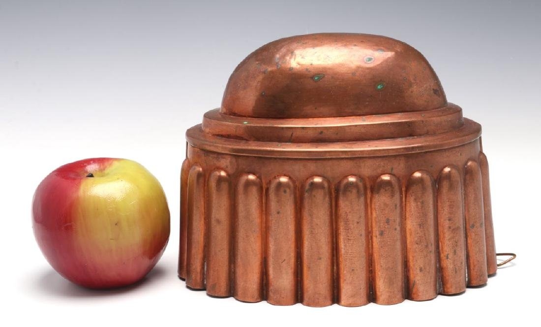AN OVAL ANTIQUE COPPER FOOD MOLD - 2