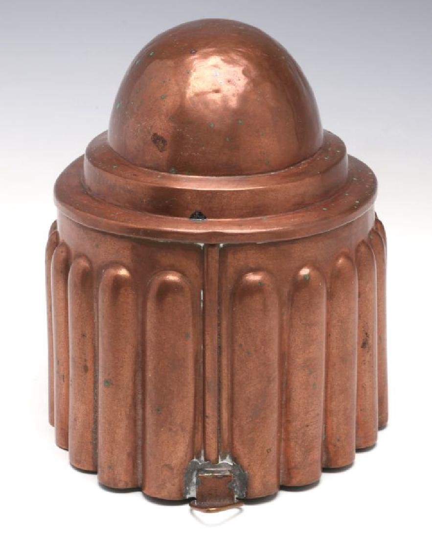 AN OVAL ANTIQUE COPPER FOOD MOLD - 3
