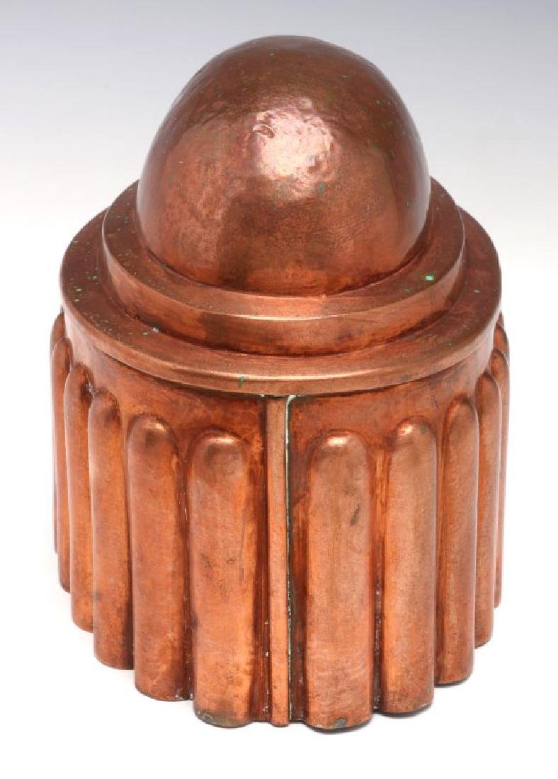 AN OVAL ANTIQUE COPPER FOOD MOLD - 6