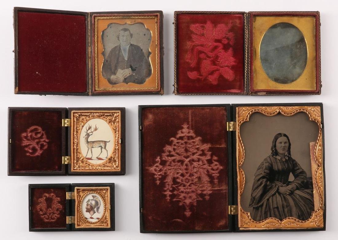 A COLLECTION OF 19TH C. IMAGES AND UNION CASES