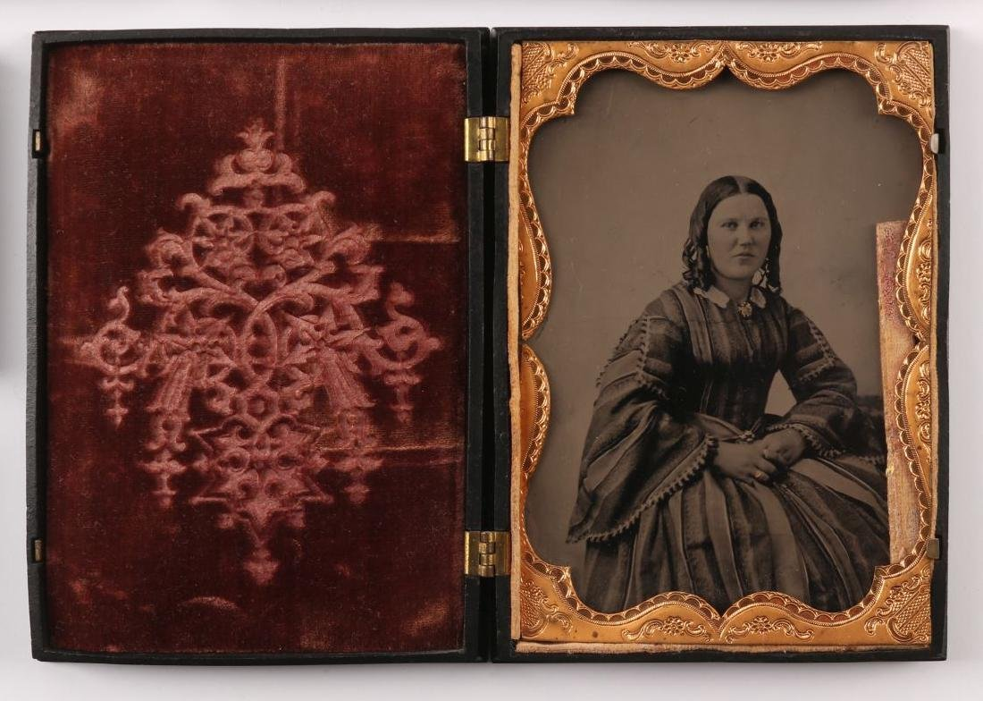 A COLLECTION OF 19TH C. IMAGES AND UNION CASES - 5