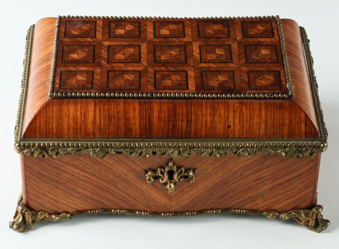 A FINE 19TH C. FRENCH KINGWOOD BOX WITH ORMOLU
