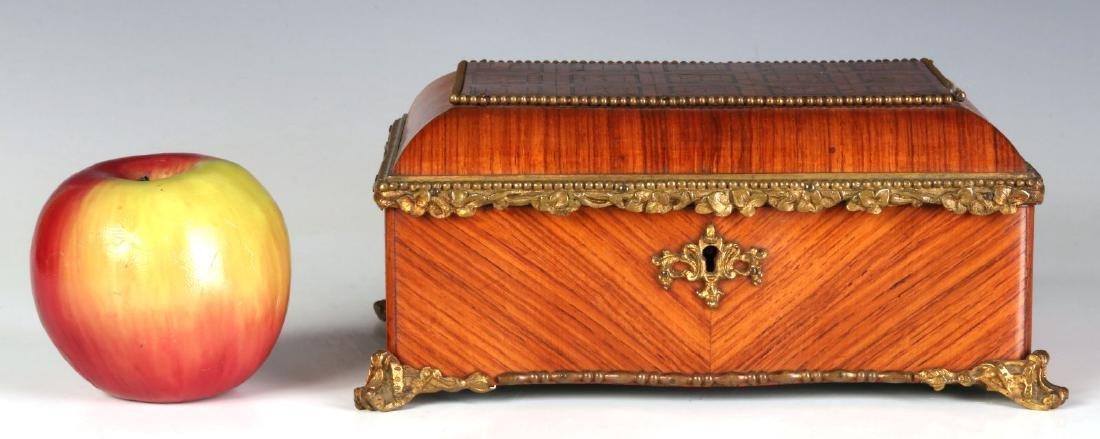 A FINE 19TH C. FRENCH KINGWOOD BOX WITH ORMOLU - 3