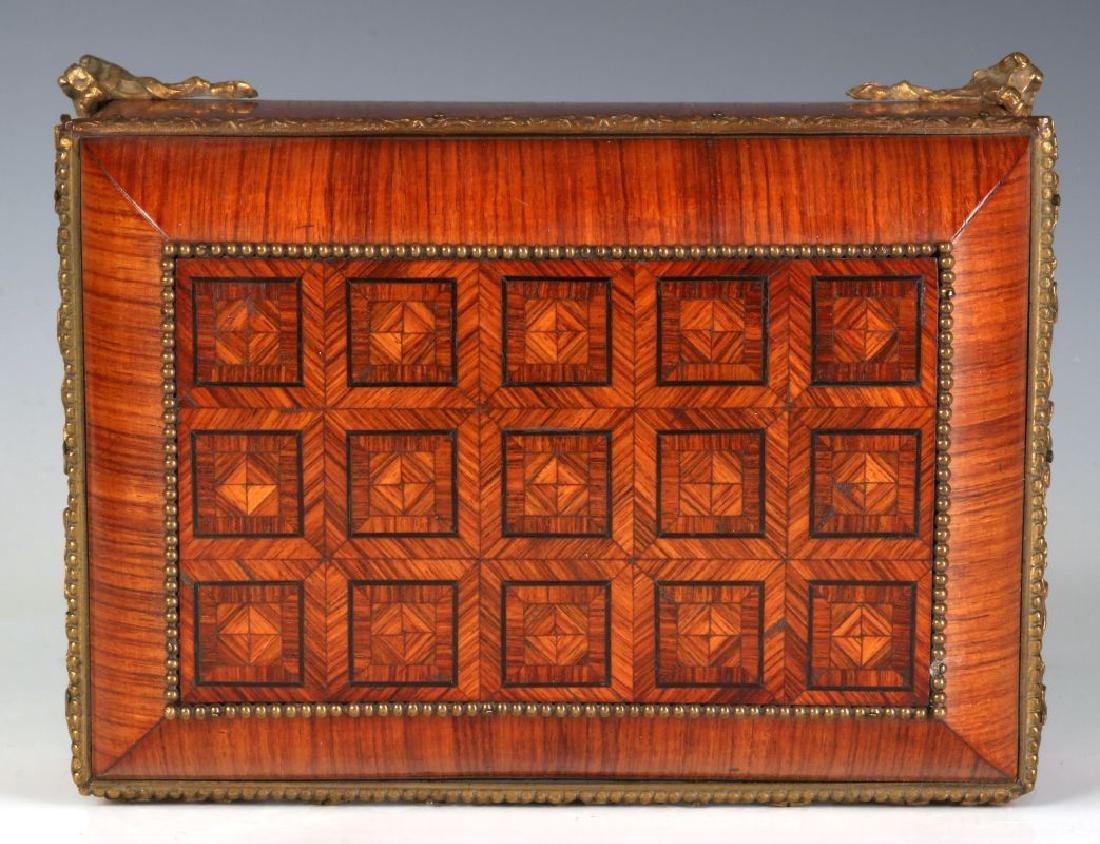 A FINE 19TH C. FRENCH KINGWOOD BOX WITH ORMOLU - 5