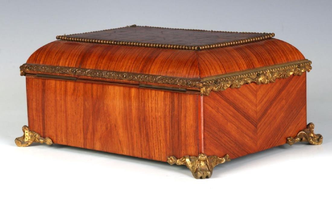 A FINE 19TH C. FRENCH KINGWOOD BOX WITH ORMOLU - 7