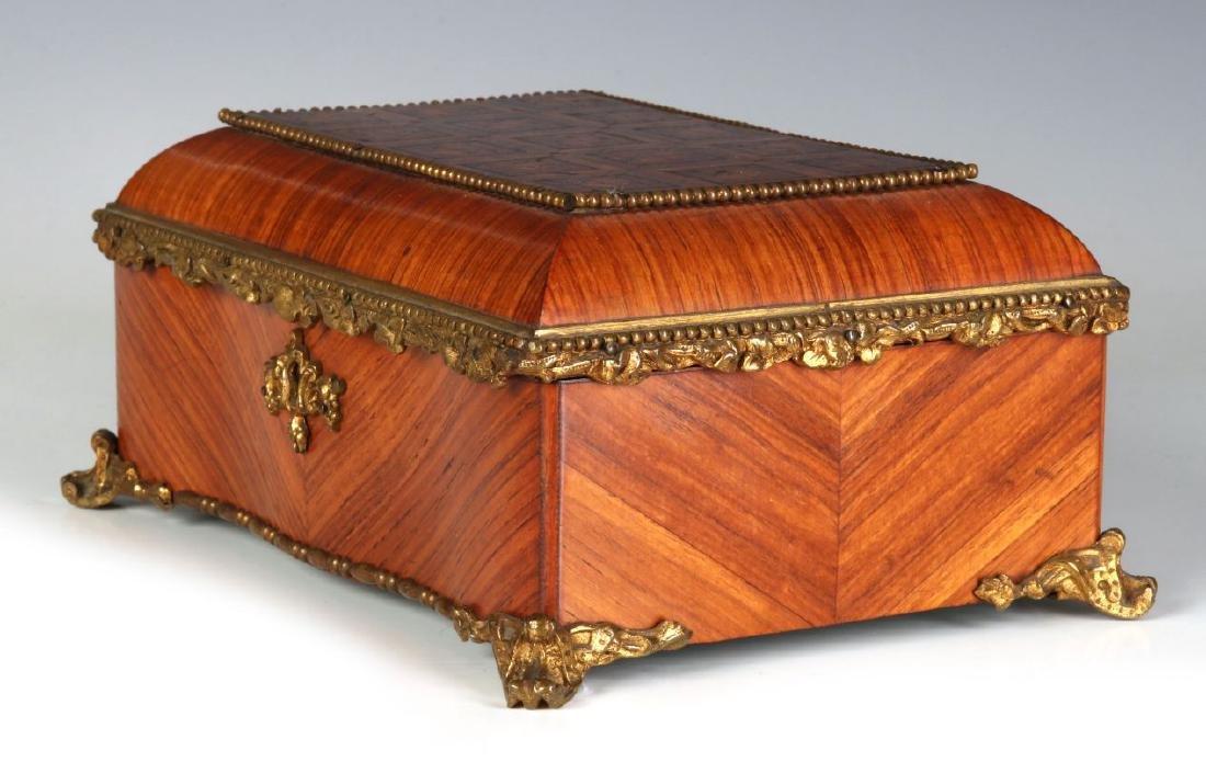 A FINE 19TH C. FRENCH KINGWOOD BOX WITH ORMOLU - 8
