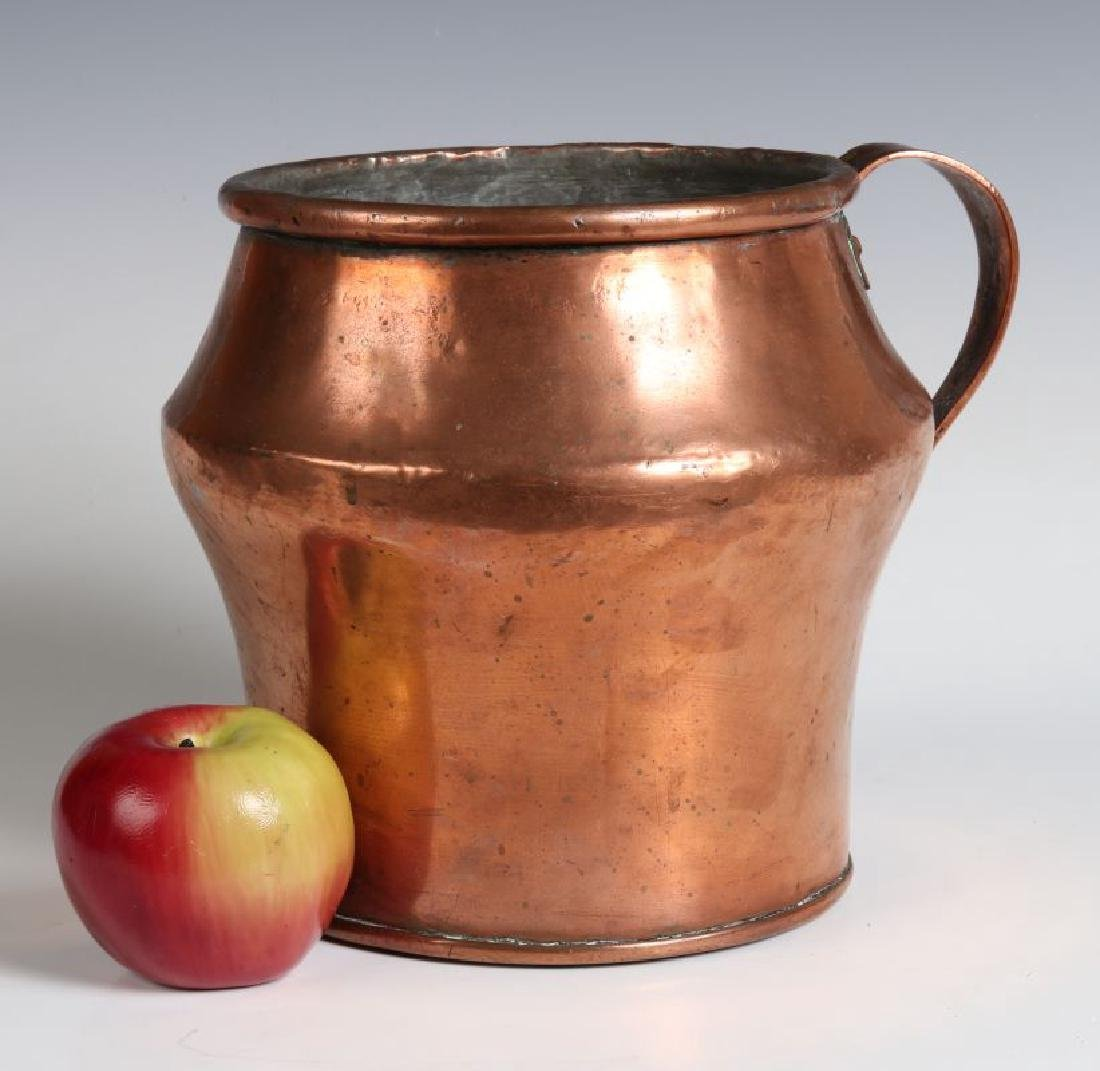 AN ANTIQUE ONE GALLON COPPER MEASURE - 2