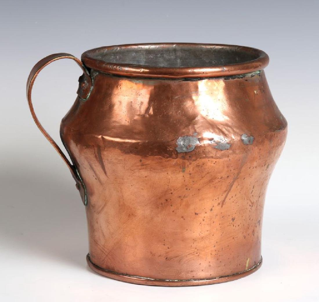 AN ANTIQUE ONE GALLON COPPER MEASURE - 5